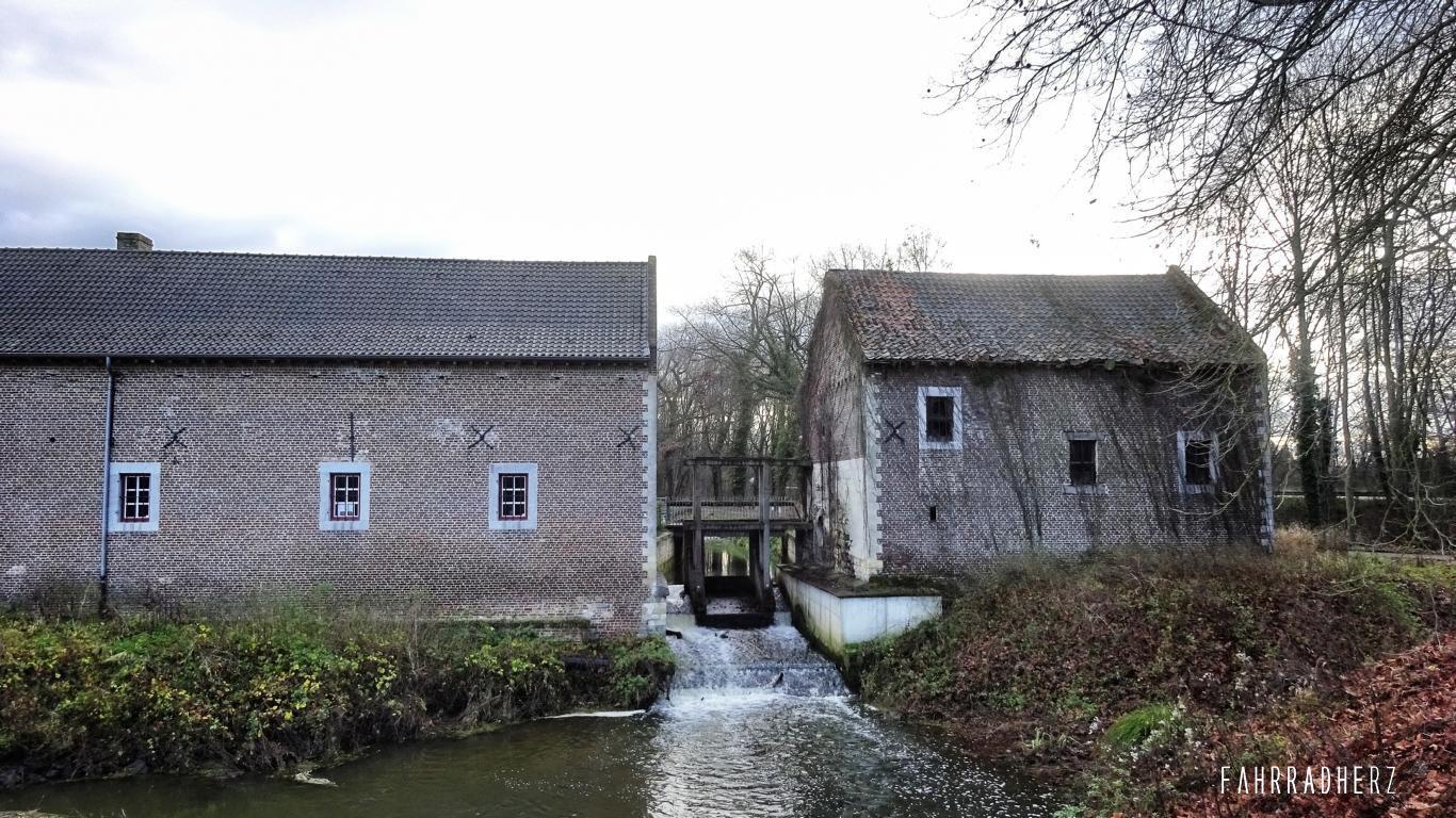 Tour Belgien Fietsen door het water
